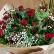 12 Red Roses in a Castle Box